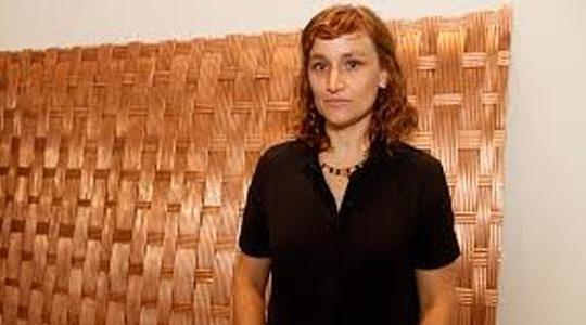 Artista Ximena Garrido-Leca no Pavilhão da Bienal