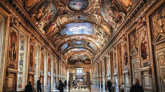 Galeria Apollo no Museu do Louvre